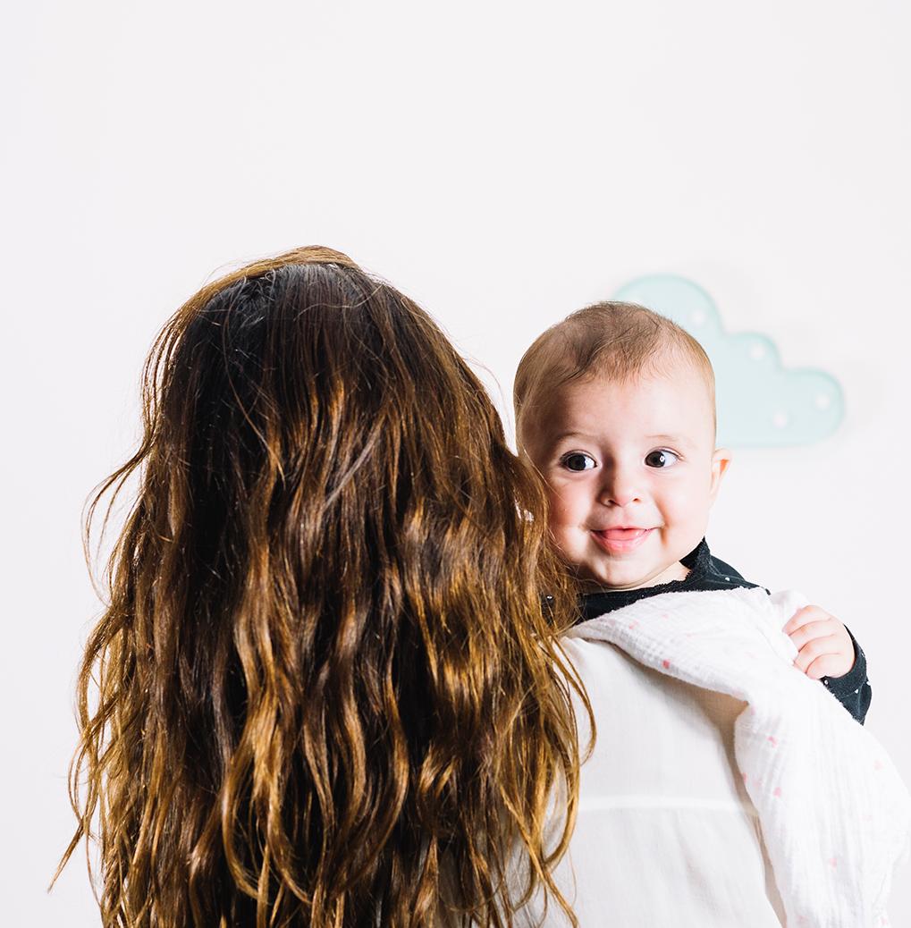 Mamá con bebé. Centro de reproducción humana